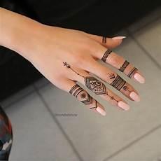 Henna Ring Designs Simple But So Stunning Henna Hand Henna