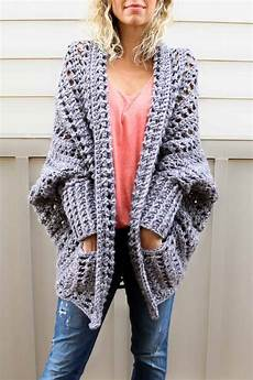 easy chunky crochet sweater free pattern from make do
