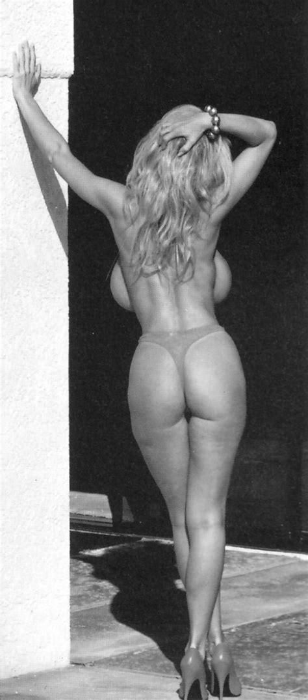 Tiffani Amber Naked