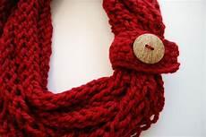 finger knit infinity scarf finger knitting finger knit