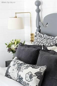 pillows 101 how to choose arrange throw pillows