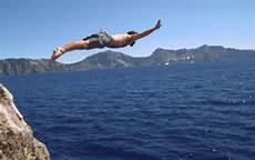 highest cliff dive world s best cliff diving drop it like it s