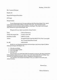 contoh email dalam bahasa inggris beserta balasannya job