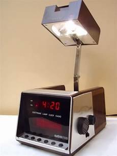 Radio Alarm Clock With Reading Light Electro Brand Model 4703 Clock Radio With Reading Lamp