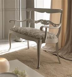 divanetti in legno divanetto classico in legno di faggio con decorazioni