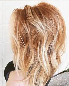 Light Brown Hair With Strawberry Highlights Tousled Strawberry Waves In 2019 Strawberry