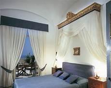 le tende per la casa tenere al caldo in casa tende per interni di cagna