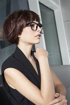 frisuren 2019 frauen kurz mit brille finde aktuelle frauen frisuren kurzhaar jetzt auf www my