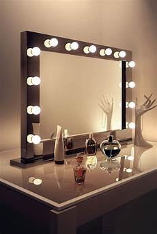 Hollywood Lighted Dressing Room Mirror Decor Chic Mirror With Light Bulbs For Makeup Needs
