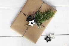 geschenke geschenke verpacken geschenke verpacken schwarz wei 223 lavendelblog