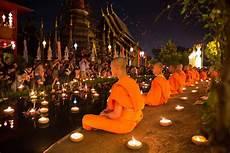Lanterns And Lights At Chiang Mai Road Loy Krathong 2020 Festival Of Lights Lantern Dates