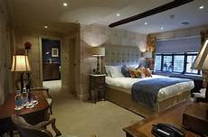 Castle Bedroom Hever Castle Bed And Breakfast Opens Boleyn Wing
