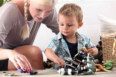 Parents Looking For Babysitters How To Hire The Best Babysitter For Your Child Safebee