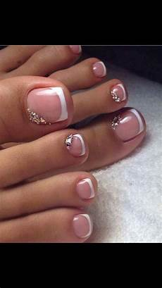 French Tip Toe Designs Pretty Pedicures Toe Nail Art French Tip With Rhinestones