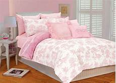 coral magenta and pink bedroom decorating ideas