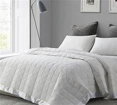 search size bed blankets in white