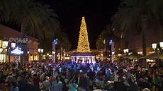 Tree Lighting Fashion Island 2017 Mickey Mouse Amp Friends Light Up The Holiday Season At