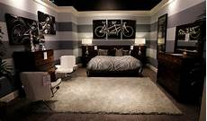 Gallery Furniture Gallery Furniture Designer Offers Redecorating Tips