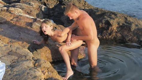 Ragazze Semi Nude