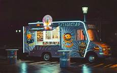 Outside Lighting For Mobile Food Truck Thinking Outside The Box Things To Consider When Starting
