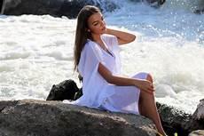 frauen am strand kostenlose foto strand meer wasser rock m 228 dchen