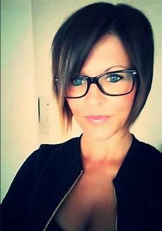 kurzhaarfrisuren damen und brille sue pixie hairstyle with a glasses