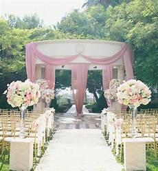 tappeto matrimonio chiesa decorazioni floreali per un matrimonio in chiesa letteraf