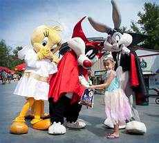 Six Flags Characters Halloween Events At Six Flags Great Adventure Themepark