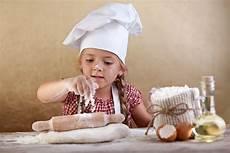 lezioni di cucina lezioni di cucina per bambini in estate un modo per
