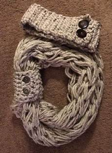 knit scarf with button