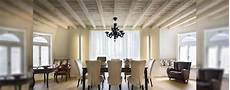 travi in legno per soffitto come illuminare un soffitto con travi a vista