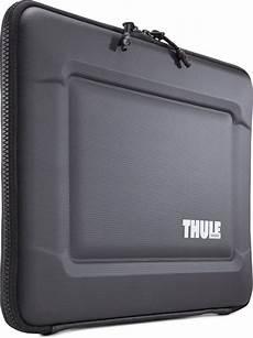 thule laptop sleeve bol thule gauntlet 3 0 tgse2254 laptop sleeve voor
