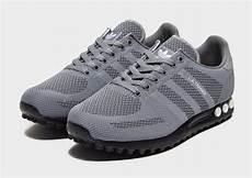 Herren Sneaker Adidas Originals Adiease Woven Schwarz Ch2605966 Mbt Schuhe P 8661 by Shop Den Adidas Originals La Trainer Woven Herren In Grau