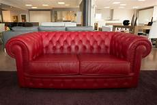 divani classici in pelle prezzi divano mod chester divani a prezzi scontati