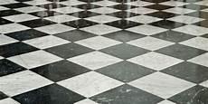 pavimenti a scacchiera gres porcellanato a scacchi