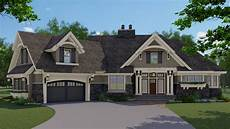 one story traditional house plan