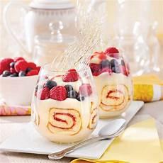 verrines au g 226 teau roul 233 et petits fruits desserts