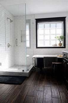 bathroom hardwood flooring ideas 32 cozy and relaxing farmhouse bathroom designs digsdigs