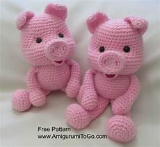 crochet along pig amigurumi to go