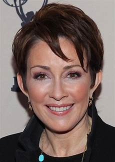 short hairstyles for women over 50 for 2013 fashion