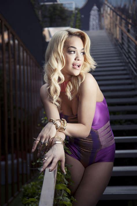 Jennifer Lopez Hot And Sexy