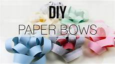 diy gift bow with paper newspaper