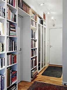 librerie inglesi perch 233 non sfruttare lo spazio dell ingresso con librerie