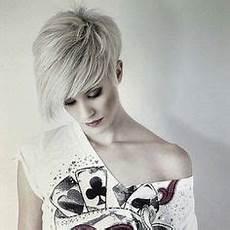 kurzhaarfrisuren asymmetrisch blond 10 attraktive asymmetrische kurzhaarfrisuren lass dich