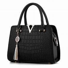 fashion crocodile leather v letters designer