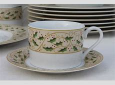 Royal Holly Gibson everyday china Christmas dishes set for