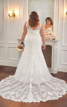 plus size wedding dress with flared skirt stella york
