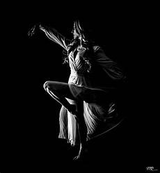 Dance Photography Lighting Low Key Photography How To Shoot Shadow Photos With