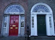 dipingere le porte porte dipinte a dublino architettura georgiana