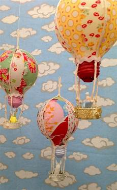 recycled bulb air balloons allfreeholidaycrafts